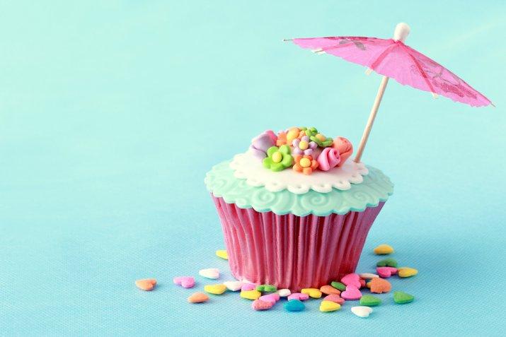 Cupcake d'estate, 7 decorazioni in pasta di zucchero per portare la bella stagione tra i dolci