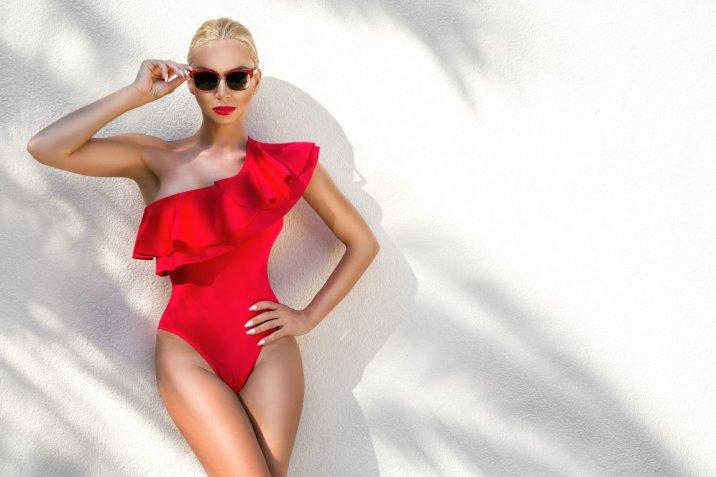 Costumi da bagno donna 2017: 10 tendenze moda da sfoggiare in spiaggia