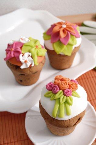 Fiori in pasta di zucchero: come farli e dove usarli per il tuo cake design