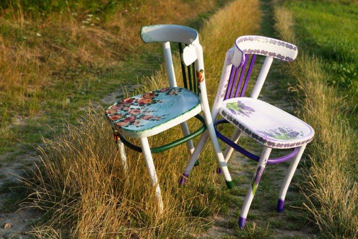 Decoupage Su Tavolo Di Plastica.Recupero Sedie Vecchie Con Il Decoupage La Tacenica E 5 Idee Donnad