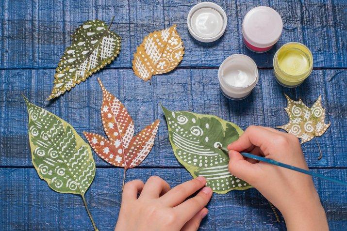 Lavoretti con foglie secche, 7 creazioni bellissime da fare con i bambini
