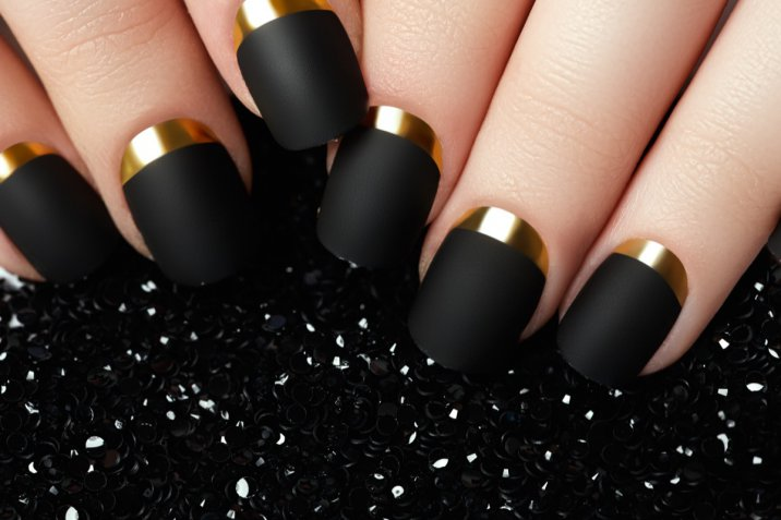 Nail art inverno 2018: le decorazioni più belle per le unghie