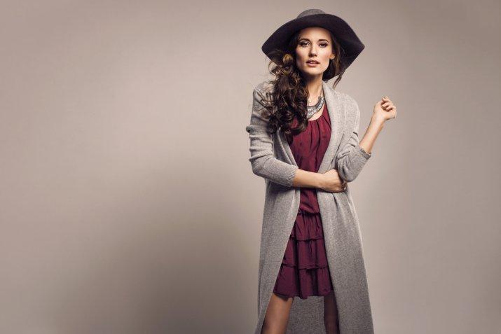 Cambio di stagione nell'armadio in autunno, 5 consigli per creare nuovi look con poco