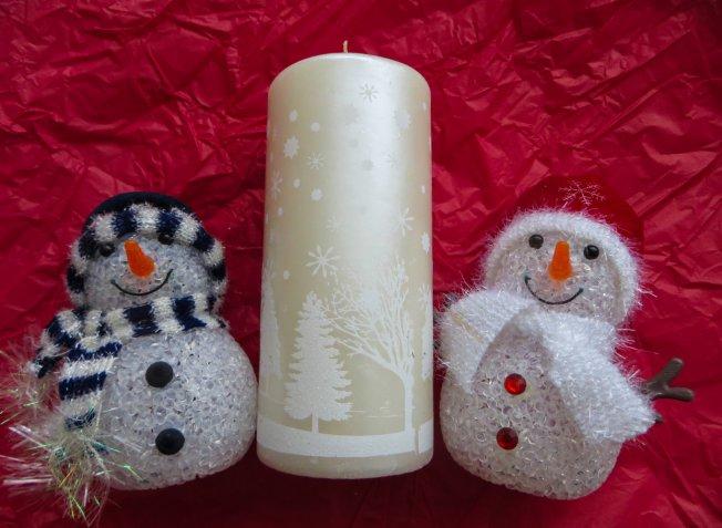 Lavoretti di Natale con il decoupage, come abbellire una semplice candela