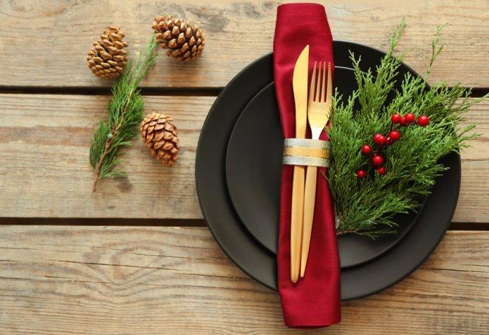 Come apparecchiare la tavola di Natale in modo raffinato