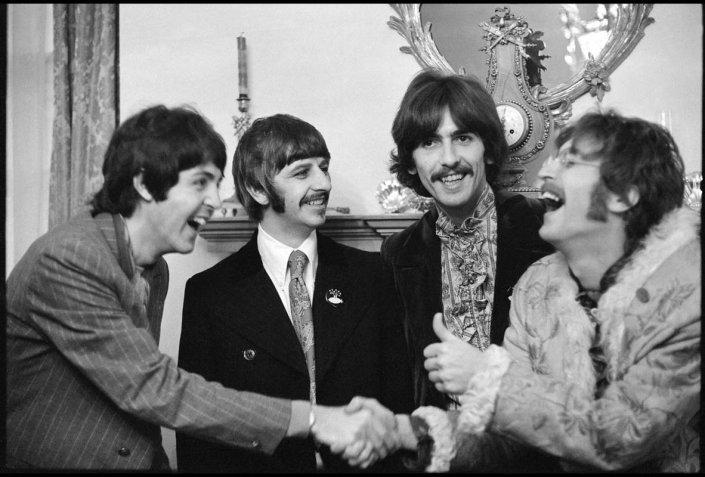 Beatles a casa di Brian Epstein, Linda McCartney, 1967  © MPL Communication. Riprodotta con il permesso di Paul McCartney