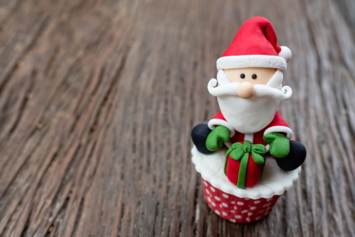 Cupcake di Natale, le 7 decorazioni in pasta di zucchero più sfiziose