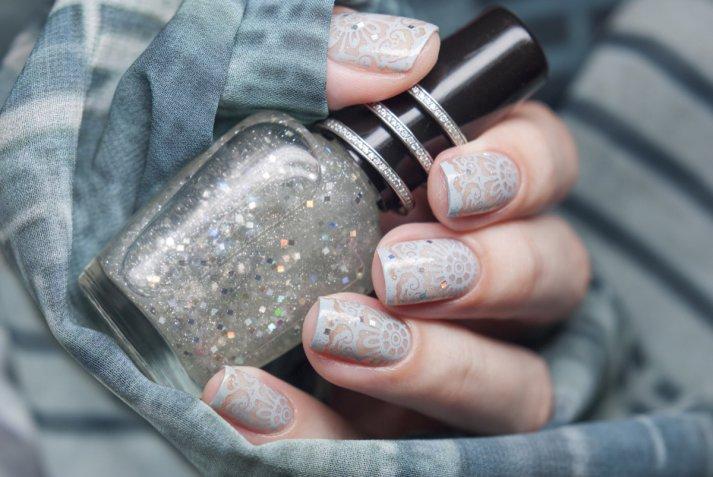 Nail art Capodanno 2018: le decorazioni unghie in argento e blu più belle