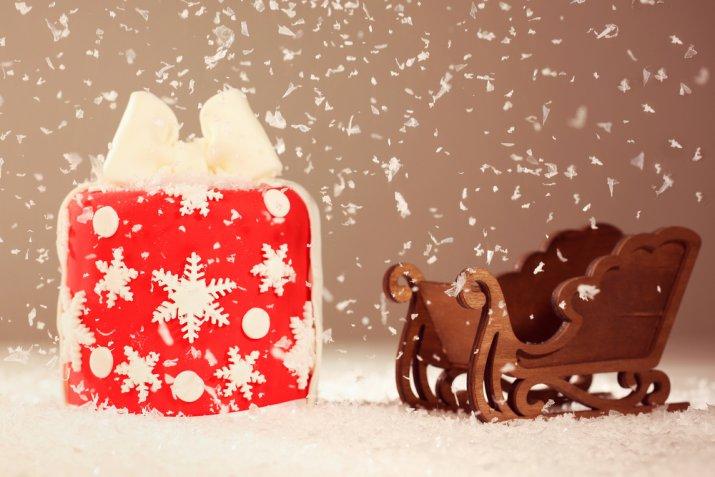 Panettone ricoperto con la pasta di zucchero, come decorarlo con i topper più belli