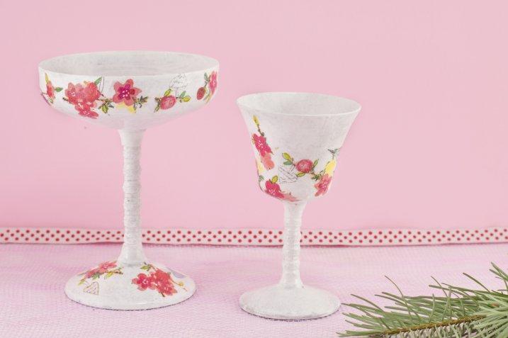 Come decorare i bicchieri di vetro con il decoupage, la tecnica e le idee creative