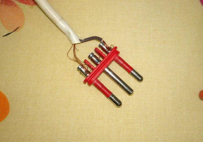 aggiustare spina elettrica, riparare spina elettrica