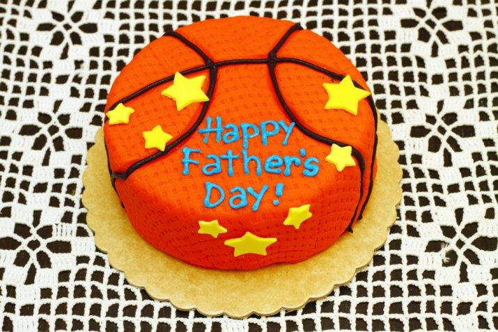Cake design per la festa del papà, le decorazioni in pasta di zucchero più belle