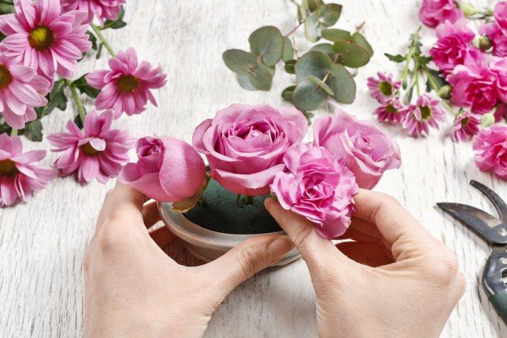 Come fare un centrotavola con i fiori freschi per farlo durare a lungo