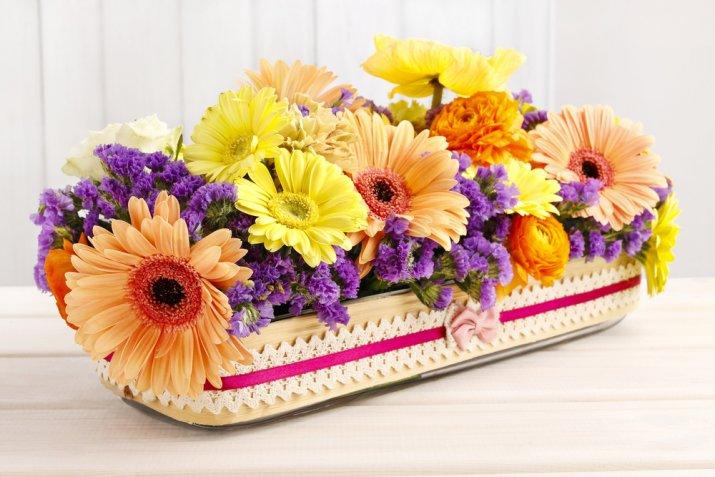 Centrotavola di primavera, come decorarlo con il decoupage