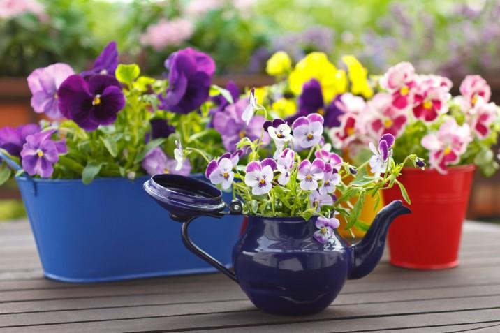 Come arredare il balcone con i fiori e con il fai da te: 5 idee da cui prendere spunto