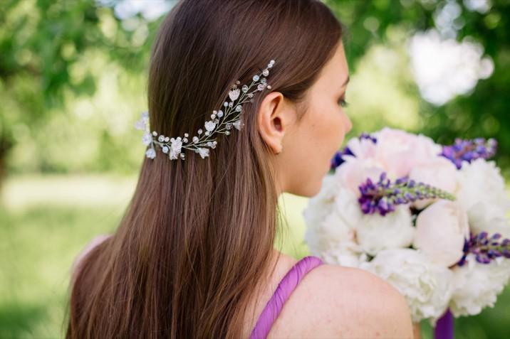 Acconciature per damigella di matrimonio: 5 idee eleganti
