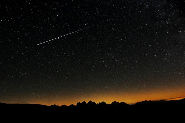 Immagini stelle cadenti, le più belle da mandare agli amici