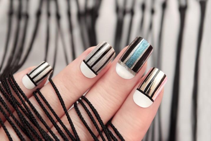 Le 5 nail art a righe più belle da provare per decorare le unghie