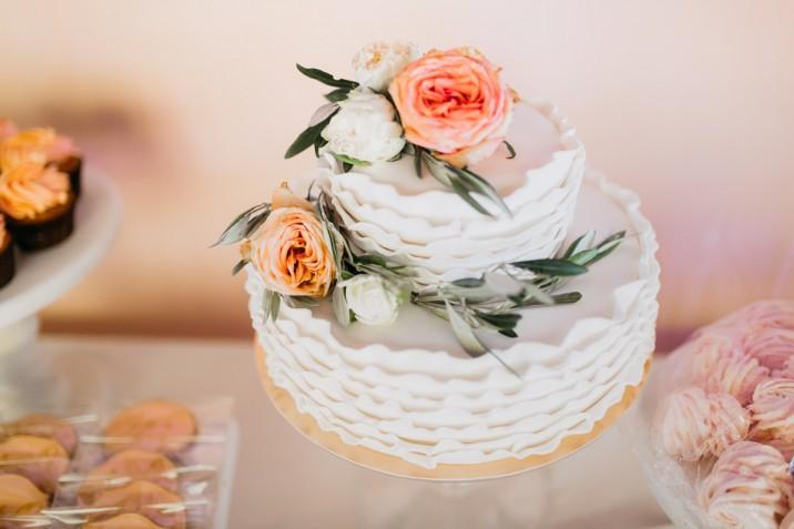 Torte per matrimonio con i fiori: 10 foto a cui ispirarsi