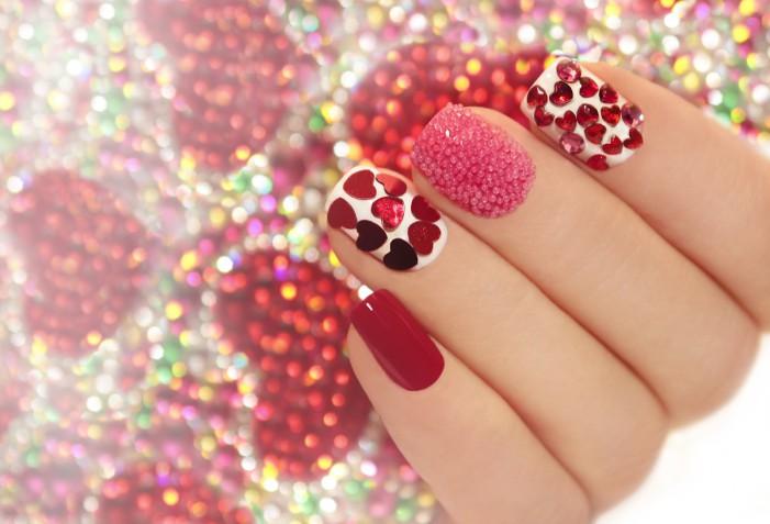 Idee nail art per San Valentino: 5 decorazioni unghie con i cuori