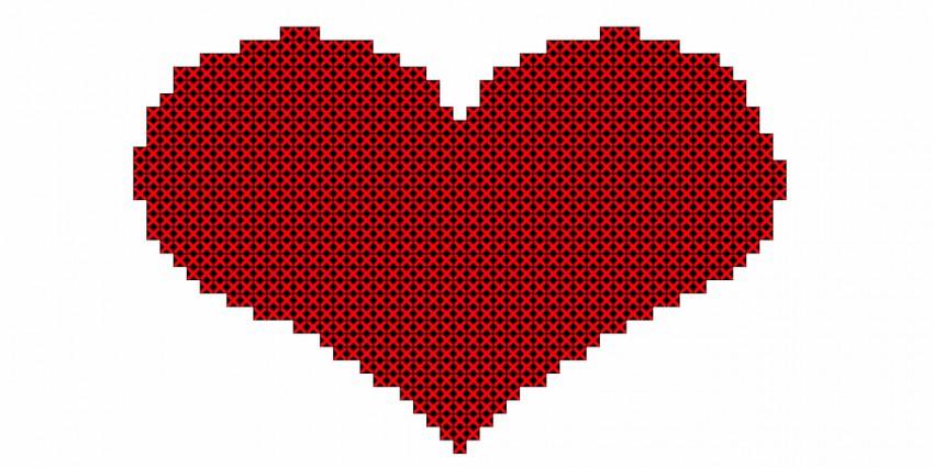 Cuori punto croce: 7 schemi gratis per il ricamo romantico