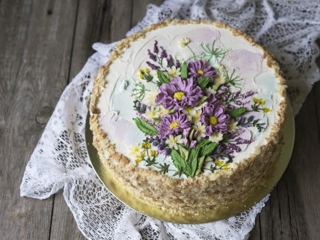 Flower cake: 9 decorazioni spettacolari con i fiori in crema di burro