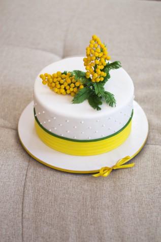 Torte per la festa delle donne: 5 decorazioni per il dolce dell'8 marzo