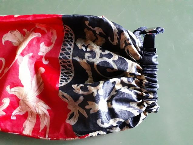 Riutilizzo stoffa ombrelli: il sacchetto facile e utile