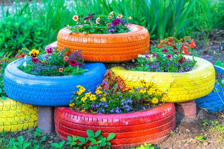 Bordure per aiuole fai da te: 7 idee per abbellire il giardino