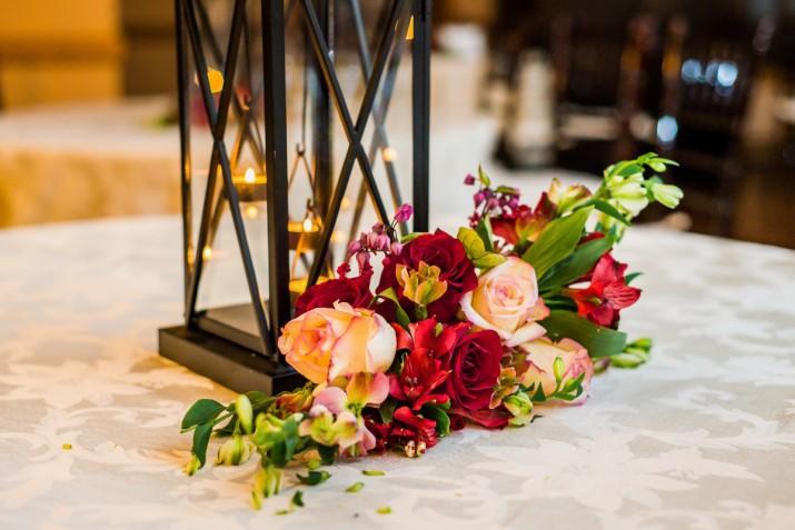 Centrotavola di matrimonio con fiori e candele: 10 idee bellissime