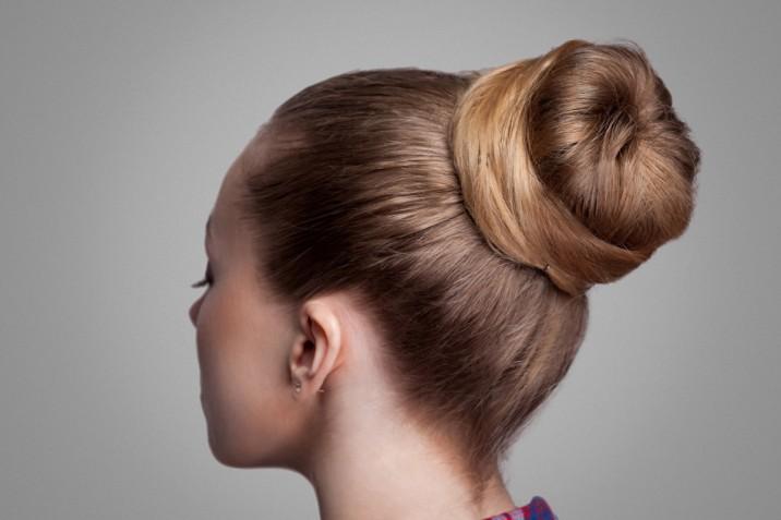 Acconciature semplici per capelli medi e lunghi: 7 idee per una cerimonia