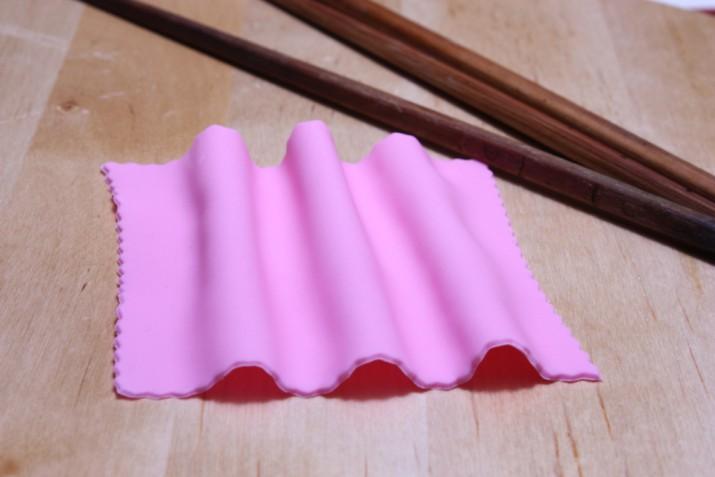 Drappo con pasta di zucchero: il tutorial con foto e spiegazioni passo passo