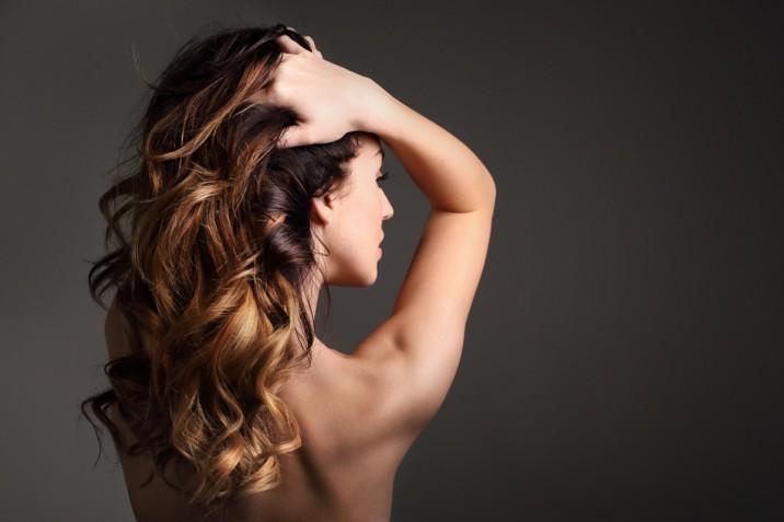 Colore capelli 2019: le sfumature di castano più belle per l'estate