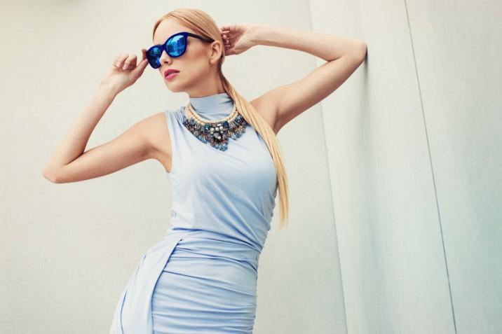 Acconciature da abbinare all'abito da cocktail: le 7 più eleganti
