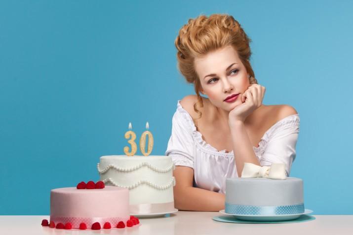 Torte di compleanno per i 30 anni: 7 decorazioni in pasta di zucchero