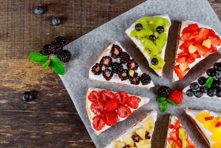 Decorazioni torte con panna e frutta: 9 idee che ti sorprenderanno