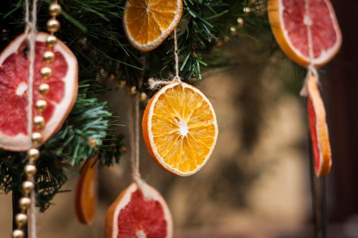 Albero di Natale 2019: 9 addobbi belli ispirati alle tendenze