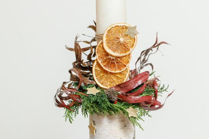 Composizioni floreali natalizie: come farle e 7 foto a cui ispirarsi