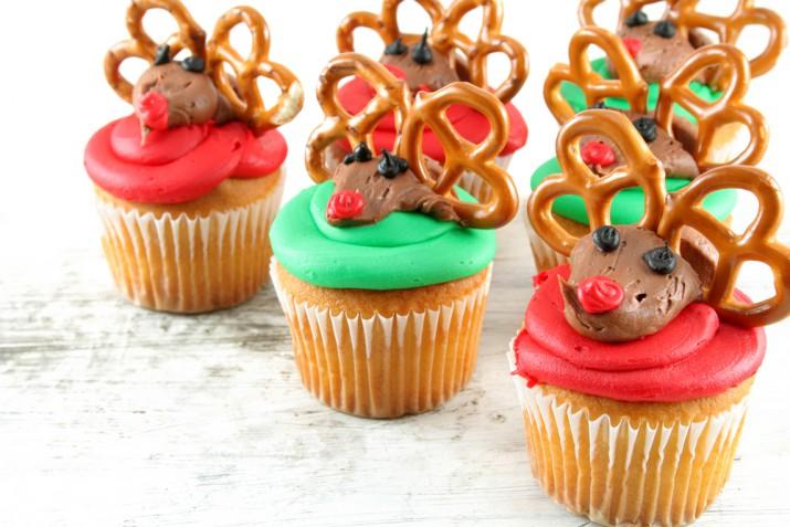 Cupcake di Natale decorati con panna: 7 idee allegre