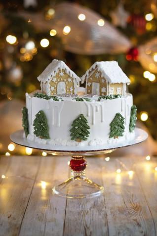 Torta di compleanno natalizia: 5 idee speciali per le decorazioni con la panna