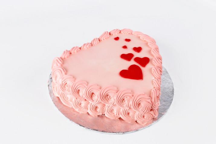 Torte per San Valentino decorate con panna: 7 idee per le decorazioni
