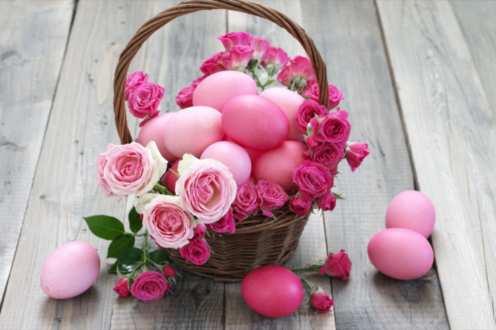 Centrotavola di Pasqua fai da te: 9 idee con e senza fiori