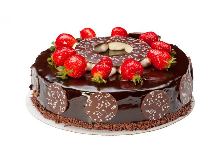 Decorazioni torte con fragole e cioccolato: 11 idee che fanno venire l'acquolina