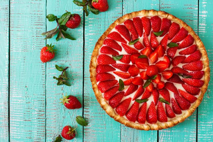 Come decorare una crostata di fragole: 9 idee per disporre i frutti