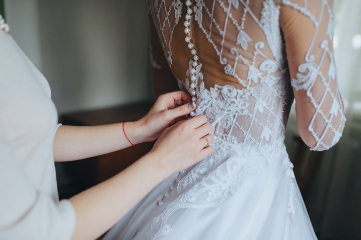 Matrimonio stile romantico: i dettagli irrinunciabili dell'abito da sposa