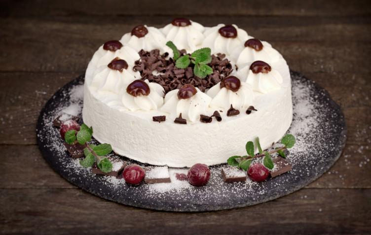Torte decorate con panna e cioccolato: 7 decorazioni da gustare