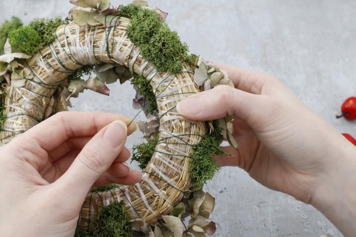 Ghirlanda natalizia fai da te: tutorial e idee decorative facili