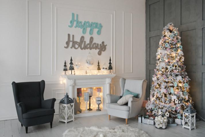 Come decorare il camino per Natale: 11 foto che ispirano