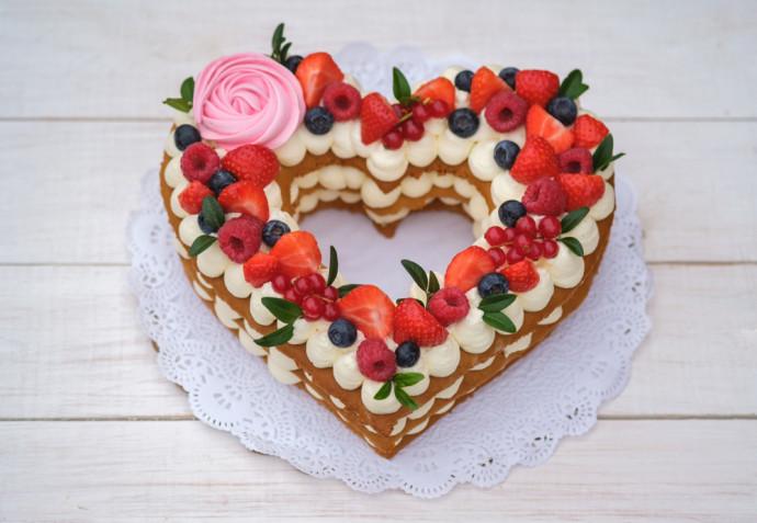 Torte alla frutta decorate: 9 idee per le decorazioni