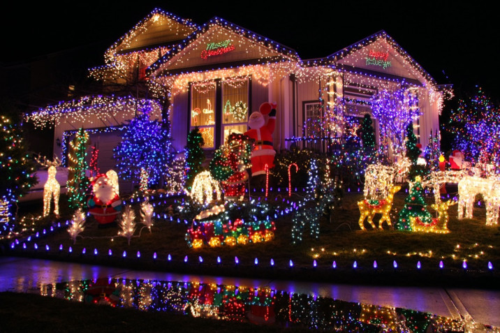 Le decorazioni natalizie da esterno più belle con le foto a cui ispirarsi